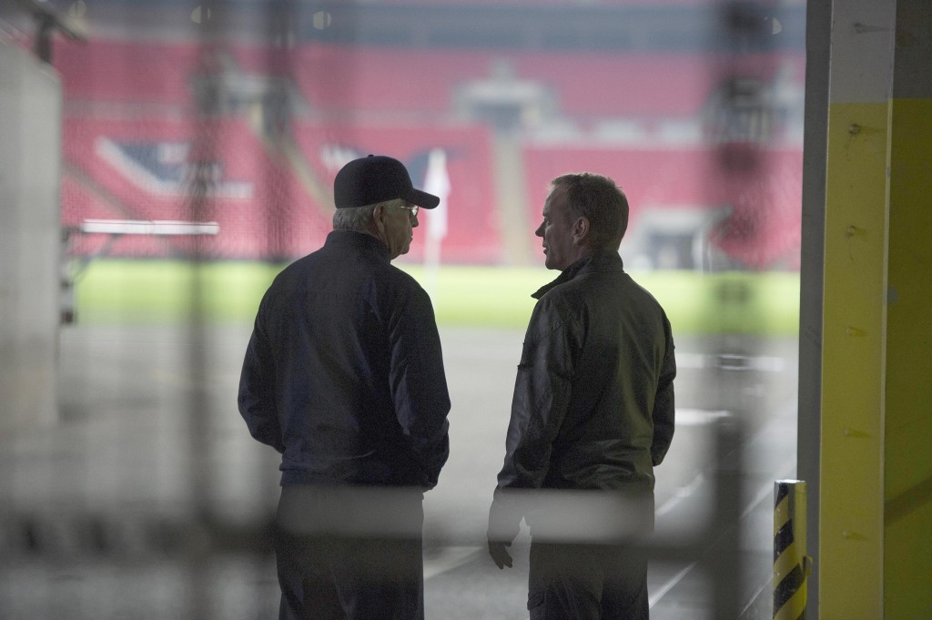 President Heller and Jack Bauer in Wembley Stadium in 24: Live Another Day Episode 9