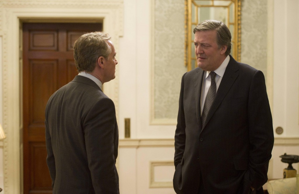 Prime Minister Davies (Stephen Fry) meets with Boudreau in 24: Live Another Day Episode 8