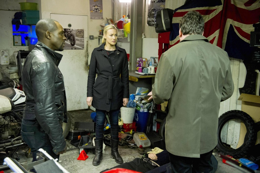 Kate Morgan (Yvonne Strahovski) and Erik Ritter (Gbenga Akinnagbe) try to get answers in 24: Live Another Day Episode 9