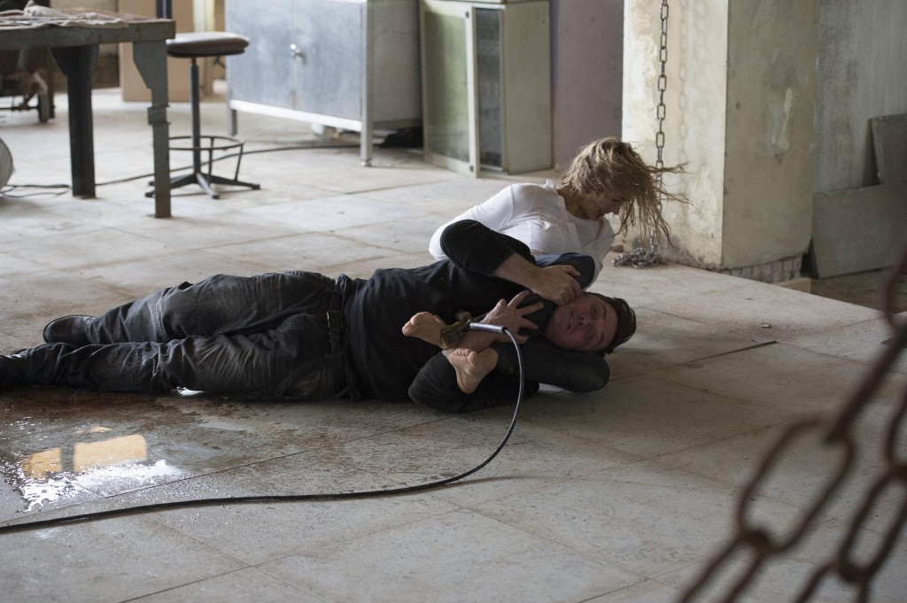 Kate Morgan (Yvonne Strahovski) kills man with feet in 24: Live Another Day Episode 6