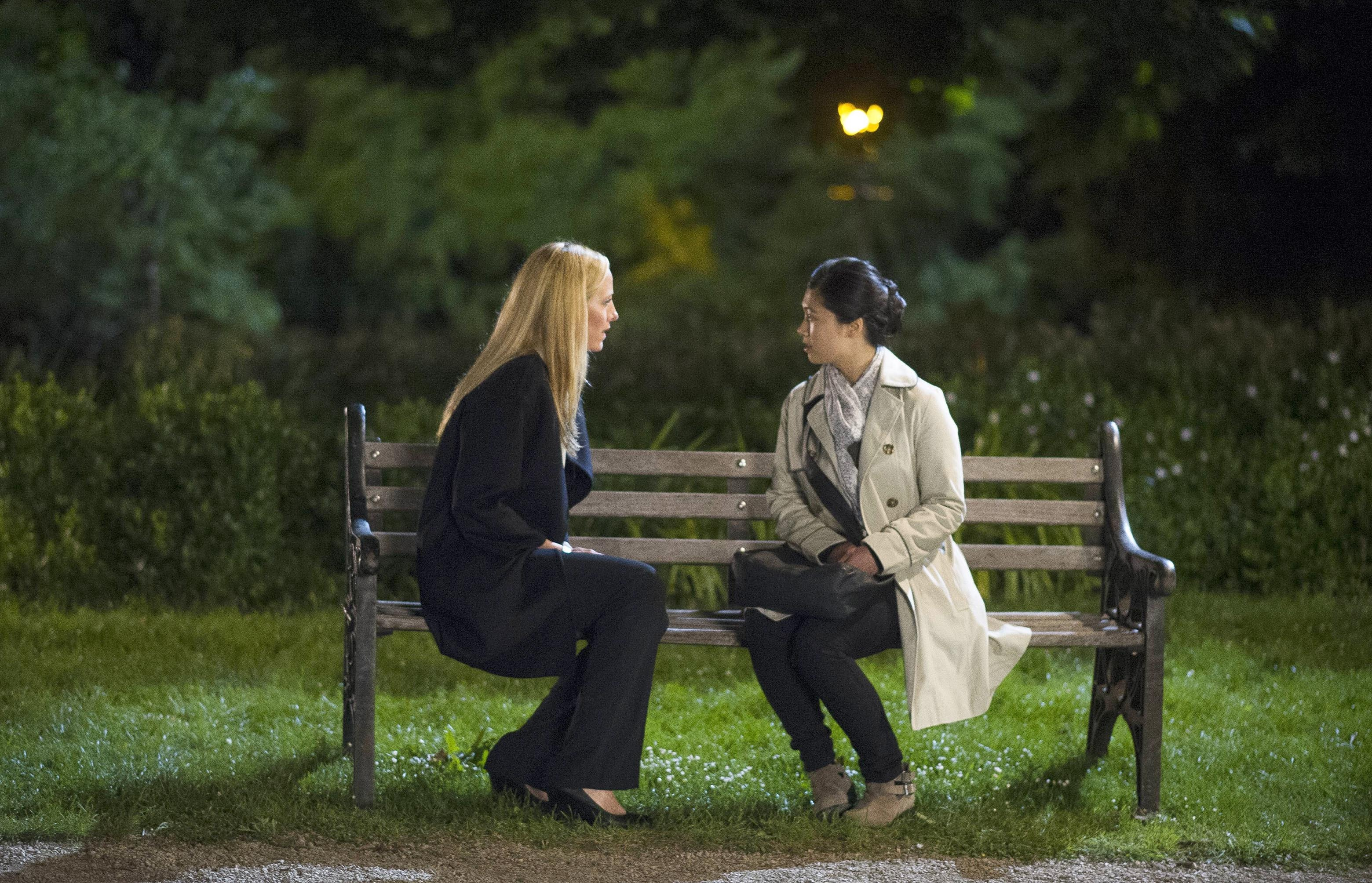 Audrey (Kim Raver) meets with Jiao Sim (Tuyen Do) in 24 ...