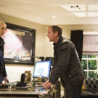 Jack Bauer (Kiefer Sutherland) and Kate Morgan (Yvonne Strahovski) search for information in the 24: Live Another Day Finale