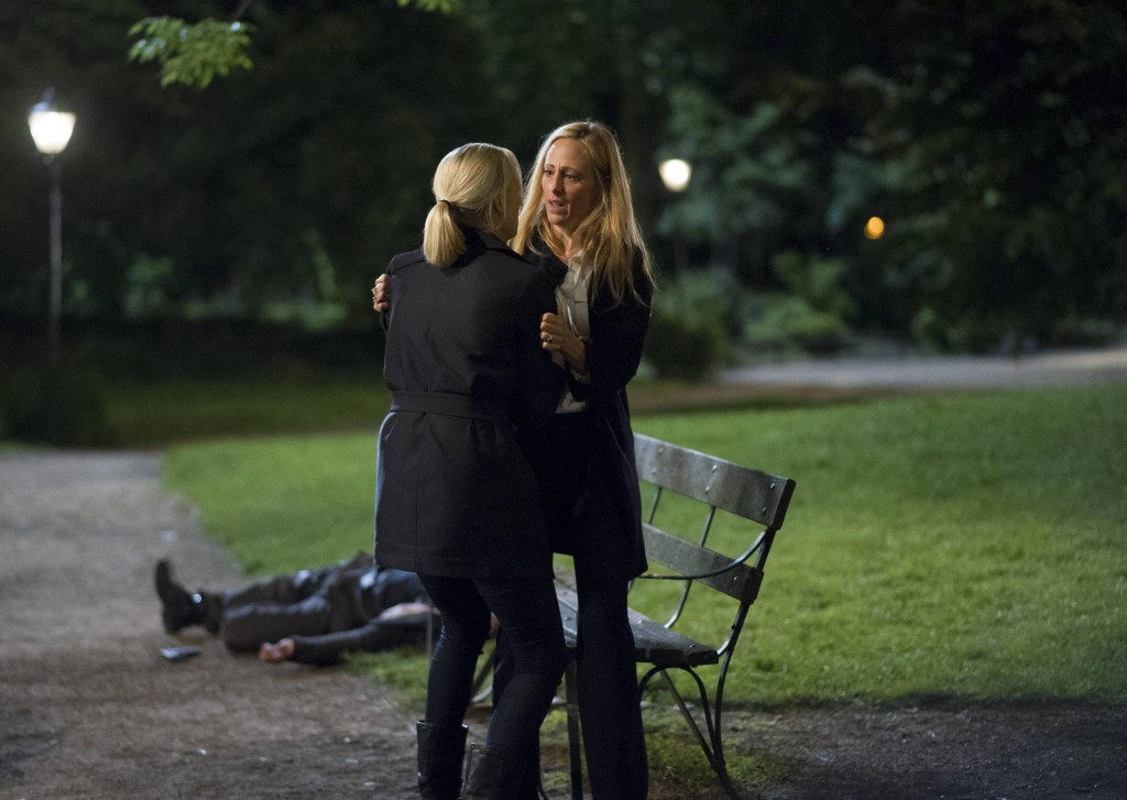 Kate Morgan (Yvonne Strahovski) tries to help Audrey (Kim Raver) in 24: Live Another Day Finale