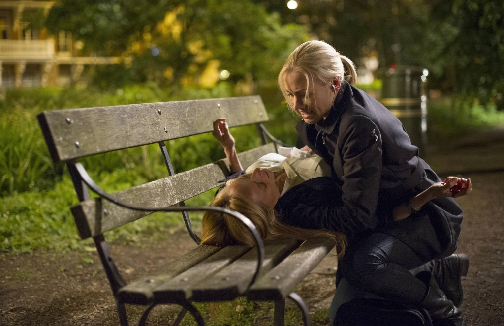 Kate Morgan (Yvonne Strahovski) attempts to save Audrey (Kim Raver) in 24: Live Another Day Finale