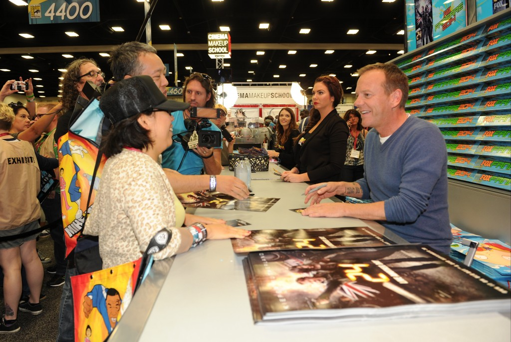 Kiefer Sutherland meeting fans at San Diego Comic-Con 2014
