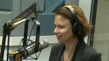 Mary Lynn Rajskub is interviewed on Q104.3