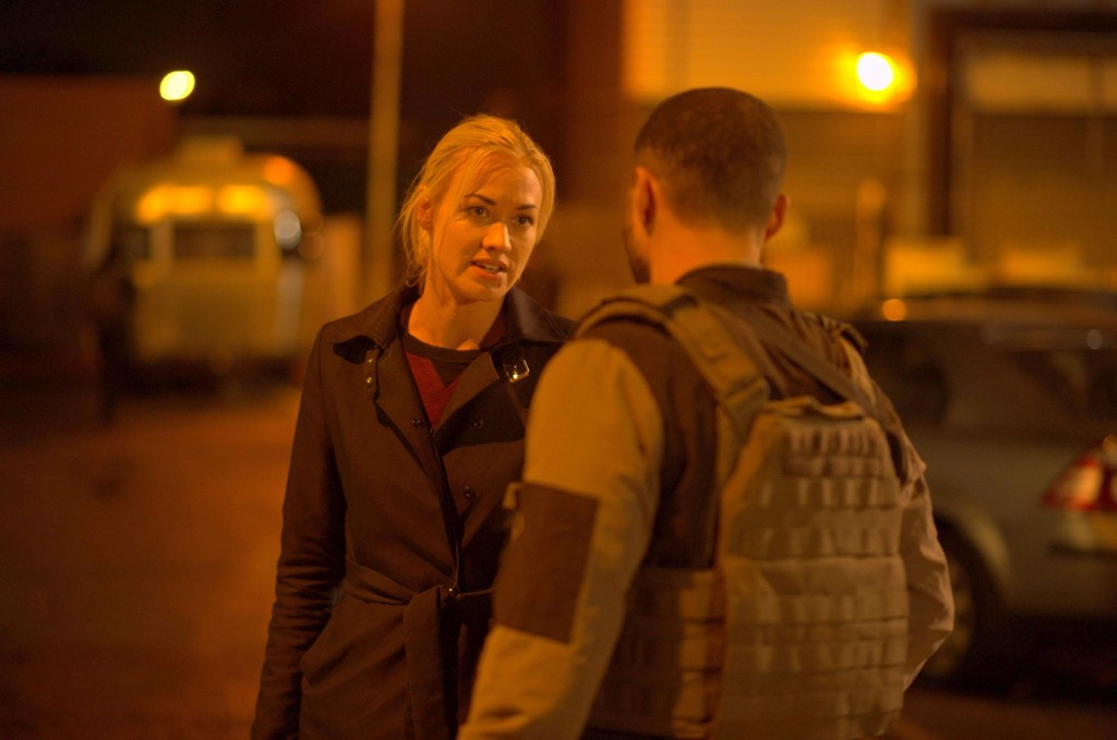 Kate Morgan (Yvonne Strahovski) talks to CIA backup in 24: Live Another Day Episode 11