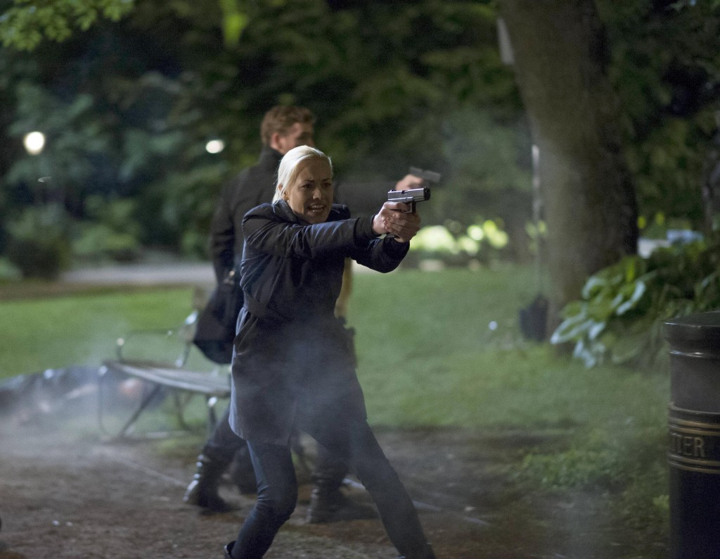 Kate Morgan (Yvonne Strahovski) protects Audrey in 24: Live Another Day Finale