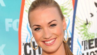 Yvonne Strahovski at Teen Choice Awards