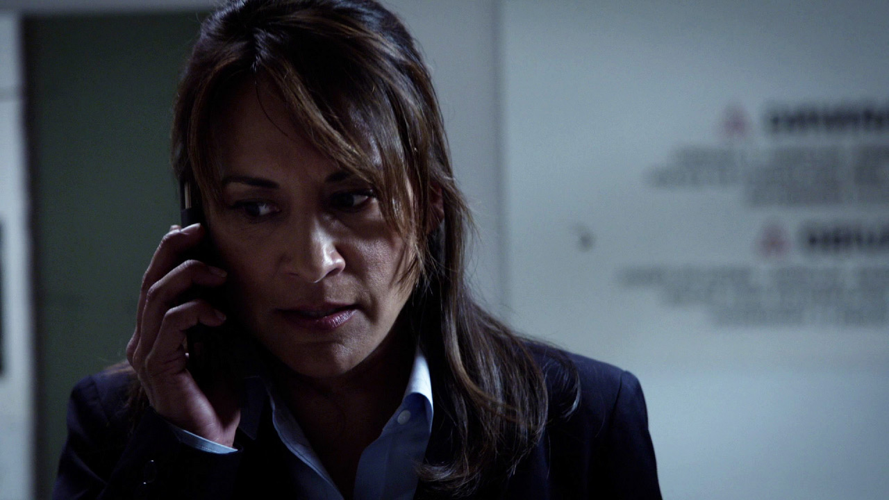 Vanessa Diaz calls a mysterious voice on the phone in 24: Solitary