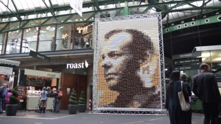 Jack Bauer postcard canvas in London