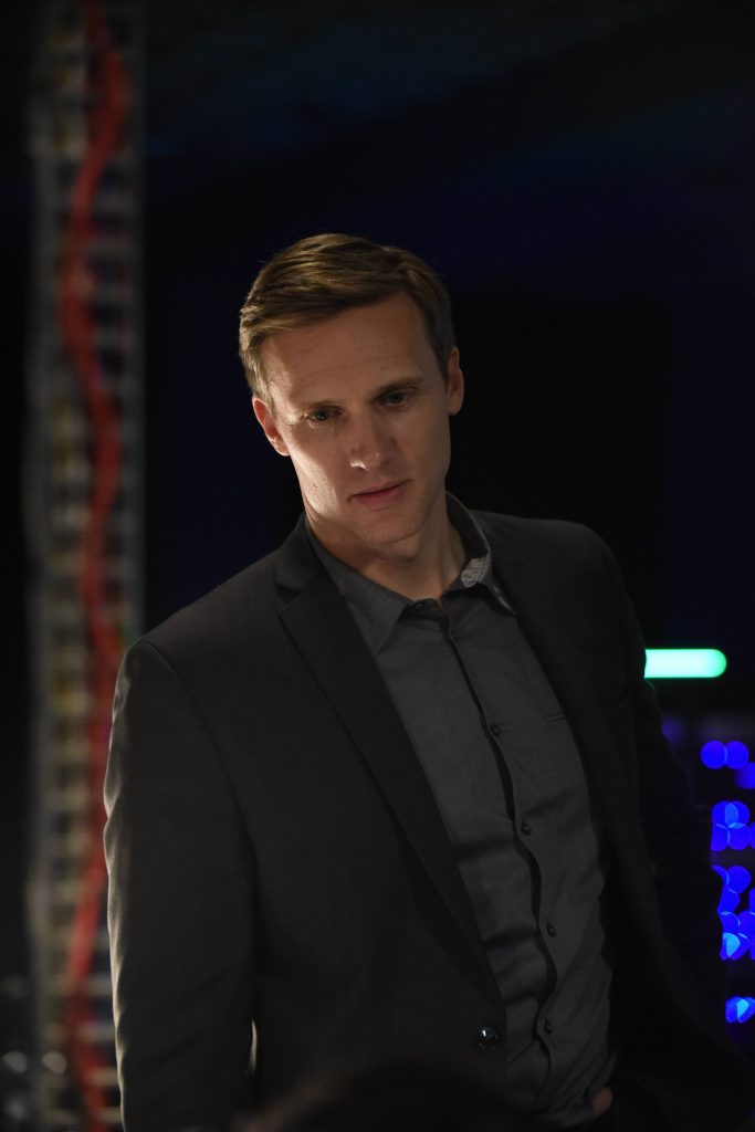 Teddy Sears as Keith Mullins in 24: Legacy Pilot
