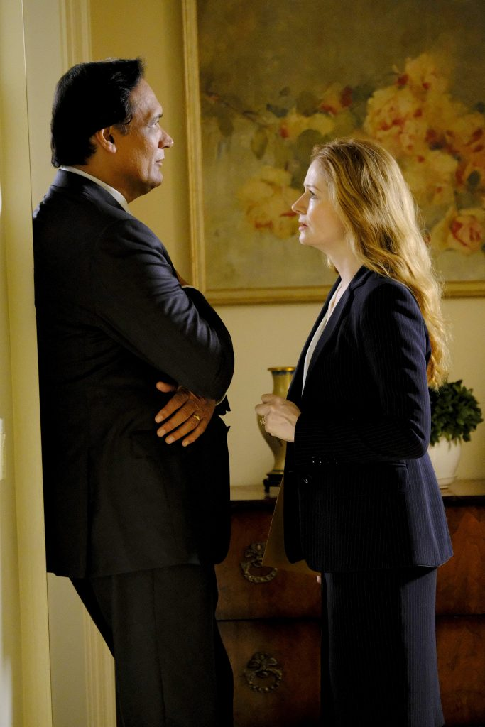 Jimmy Smits and Miranda Otto in 24: Legacy Episode 3