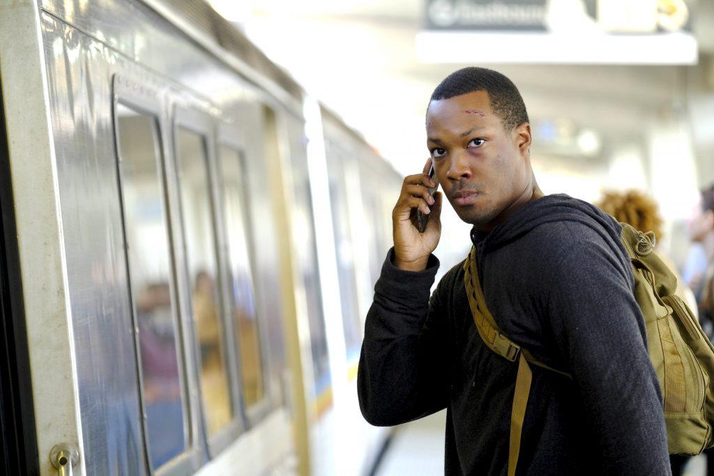 Eric Carter (Corey Hawkins) boards train in 24: Legacy Episode 3