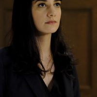 Sheila Vand as Nilaa Mizrani in 24: Legacy Episode 9