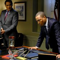 Jimmy Smits as John Donovan and Corey Hawkins as Eric Carter in 24: Legacy Episode 11