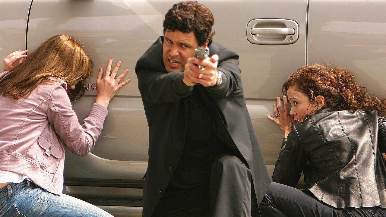 Tony Almeida saves Michelle Dessler